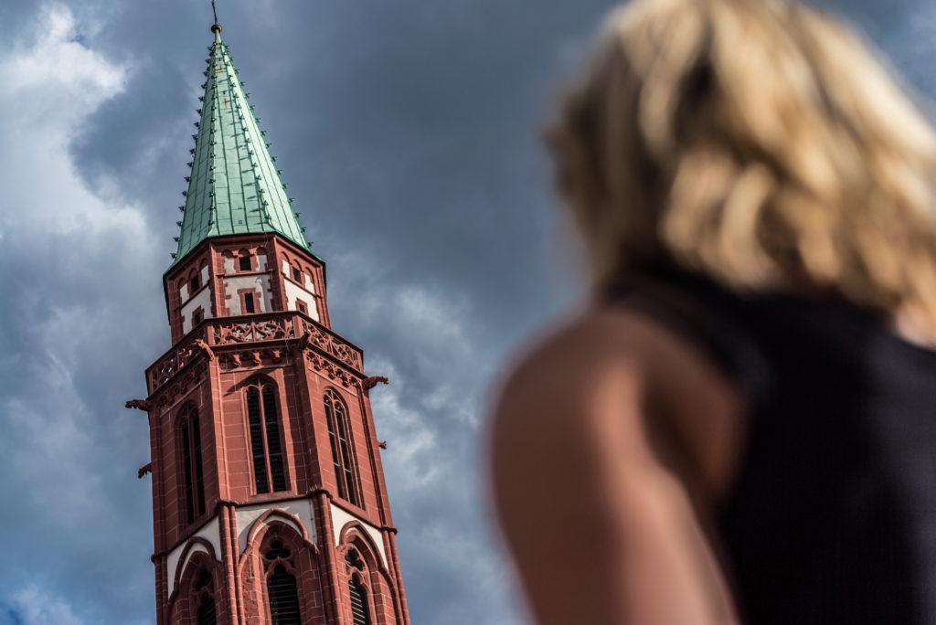 Hey, Mr. Römer: Metallischer Glanz im Herzen Frankfurts