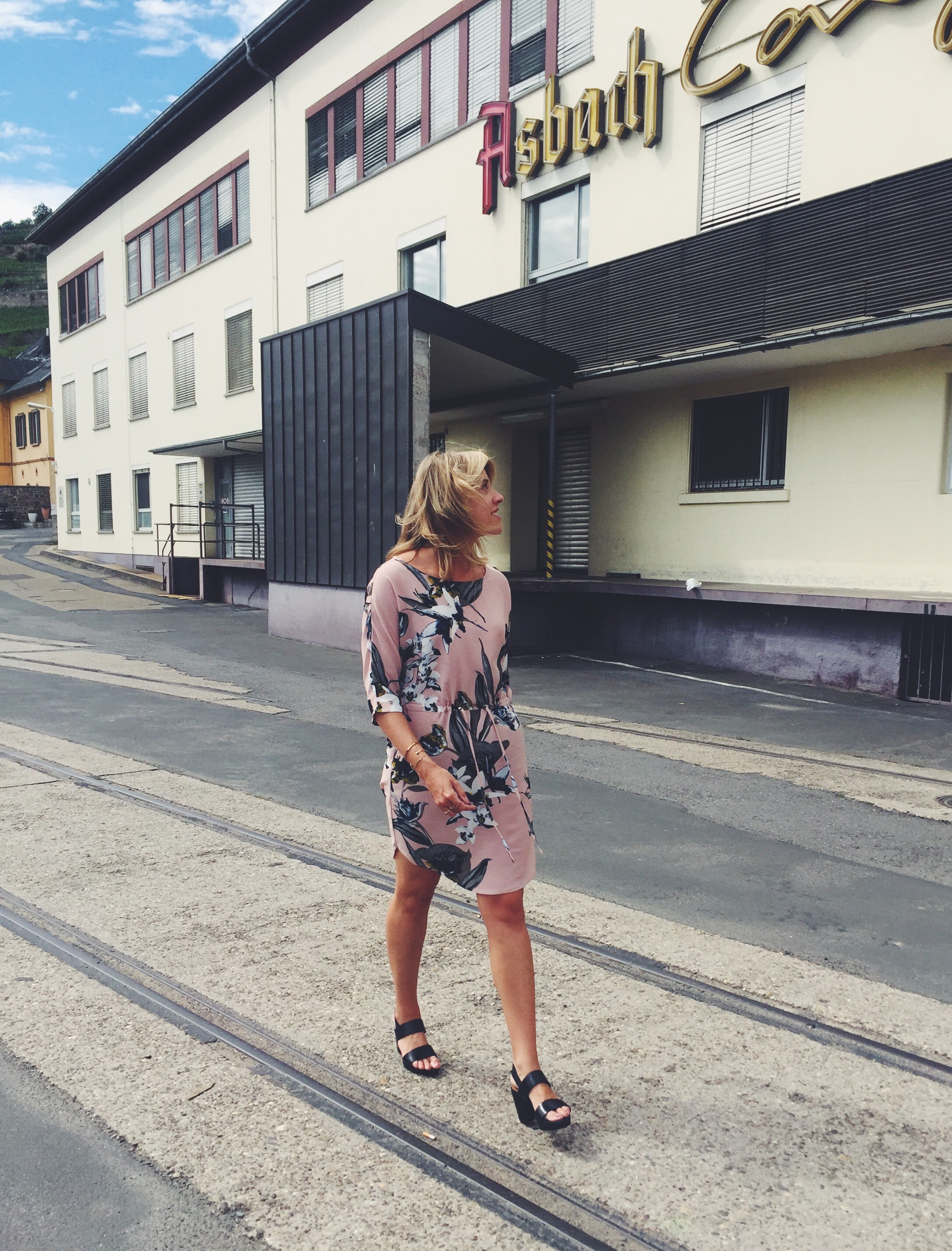 Wedding-Time in Rüdesheim: Urban Location trifft auf Hochzeits-Chic