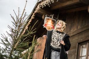 Im Leo-Look über den Darmstädter Weihnachtsmarkt