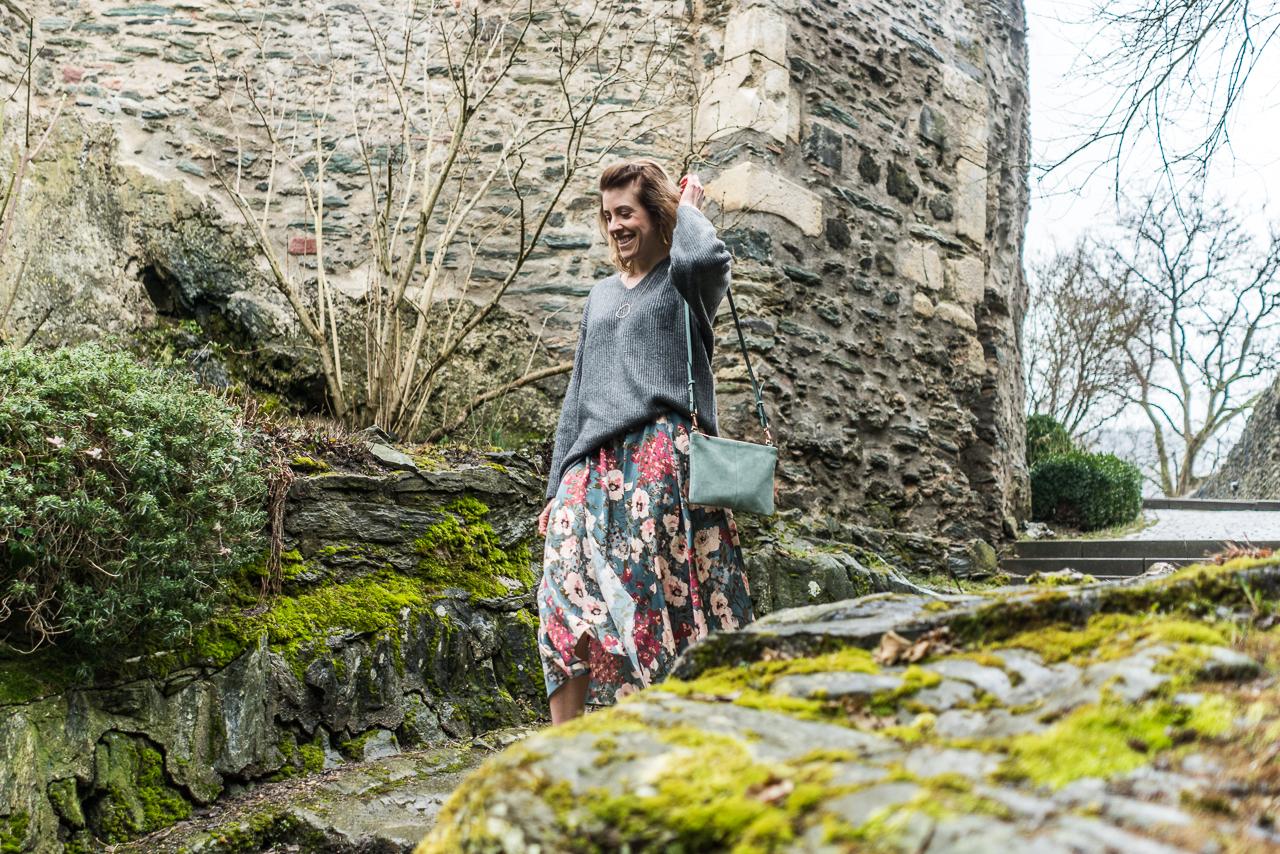 Fesher Blümchen-Look auf der Eppsteiner Burg