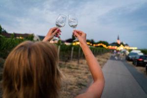 Im schicken Maxikleid auf dem 69. Hochheimer Weinfest