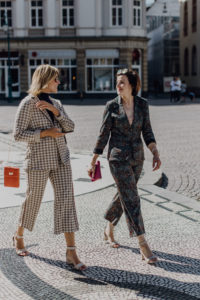 It`s Fäschööön Serie Teil 2: Anzug-Chic-Style auf dem Wiesbadener Marktplatz